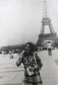 Meine Mutter als sie jung war in Paris