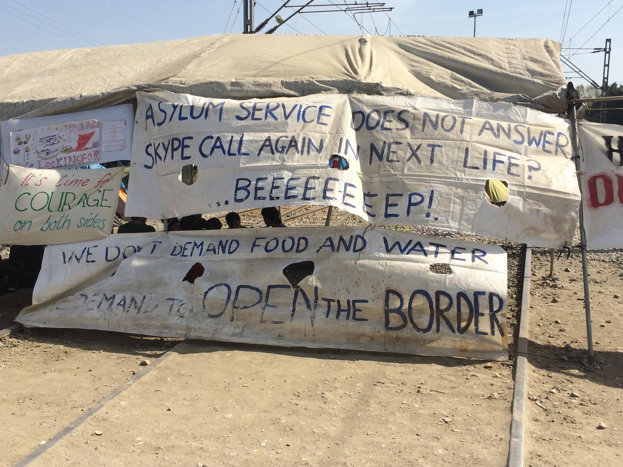 Flüchtlinge in Idomeni und Chios: Demonstrationen an griechischer Grenze