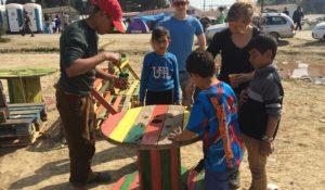 Flüchtlinge ritzen sich Namen ihrer Liebsten in die Arme